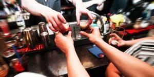 Ученые выяснили, как именно алкоголь вызывает рак