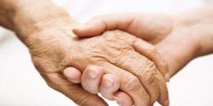 Бабушек и дедушек поставят на учет
