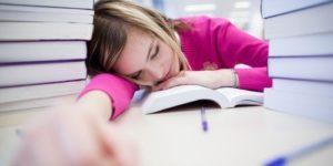 Эксперты рассказали, почему мы постоянно хотим спать