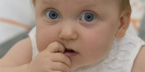 Ученые: детям лучше не закапывать нос при простуде