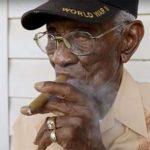 30 сигарет, 7 отжиманий и своевременный развод. 100 долгожителей поделились своими секретами