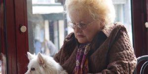 Частые боли в спине у женщин в возрасте могут быть предвестником преждевременной смерти