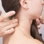 Боль в шее: поможет хороший сон, а не идеальная поза
