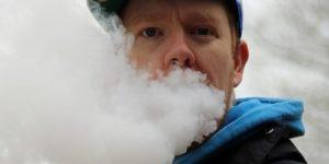 Ученые выделили главную причину поражения легких, связанного с вейпом