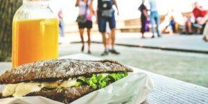 «Полчаса ходьбы за чипсы». Такие предупреждения помогают похудеть