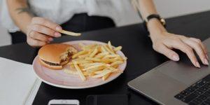 Ученые нашли связь между пищевыми привычками и контентом друзей в соцсетях